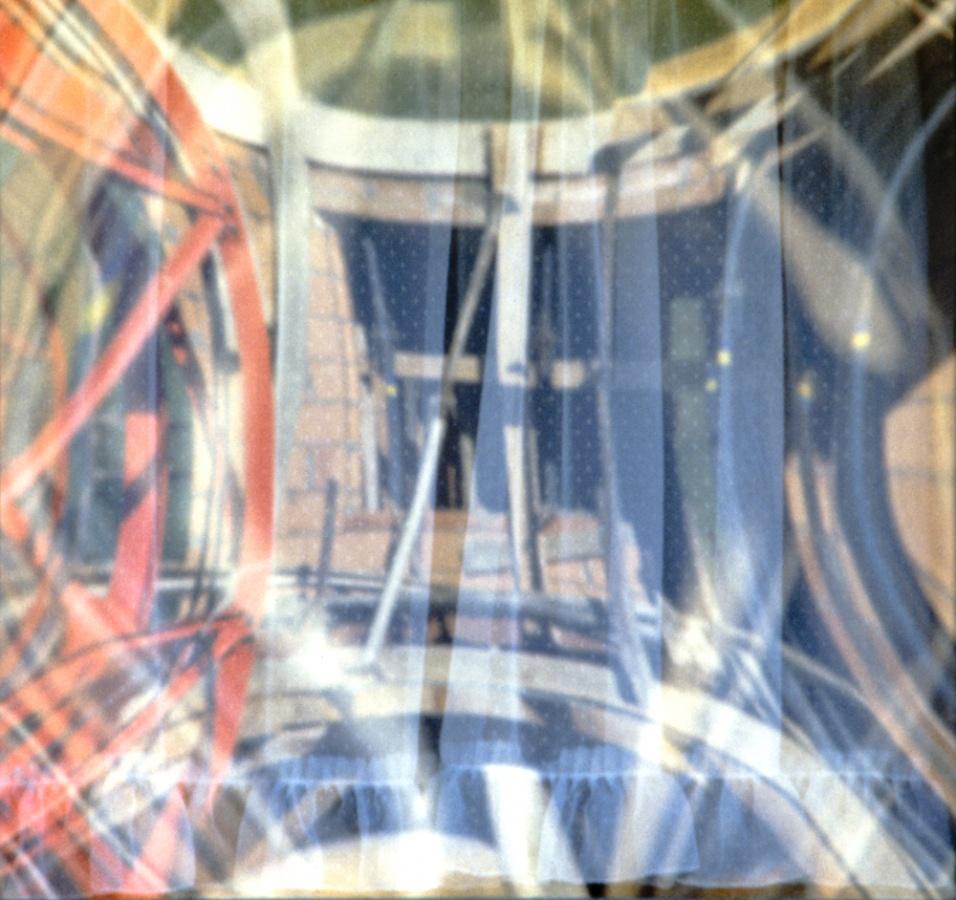 1980 - FINESTRELLA QUADRA BIANCA ROSSA BLU - 57 x 60,54cm, 118 x 112cm - stampa su carta cotone Fine Art a 12 colori con inchiostro ai pigmenti